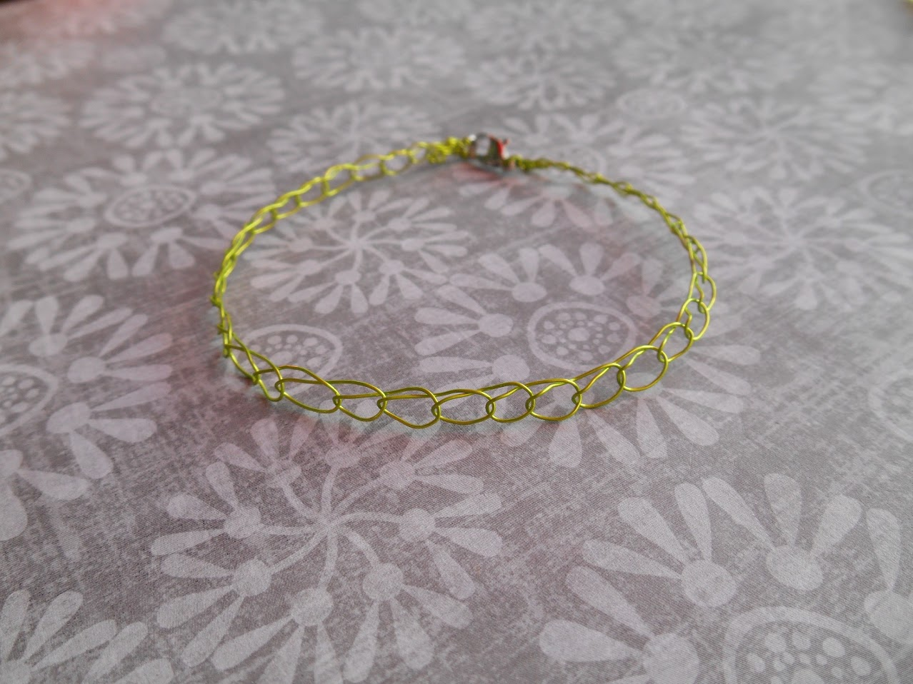 Free Patterns For Wire Crochet Jewelry : Wire Crochet Bracelet: Brianna - One Artsy Mama
